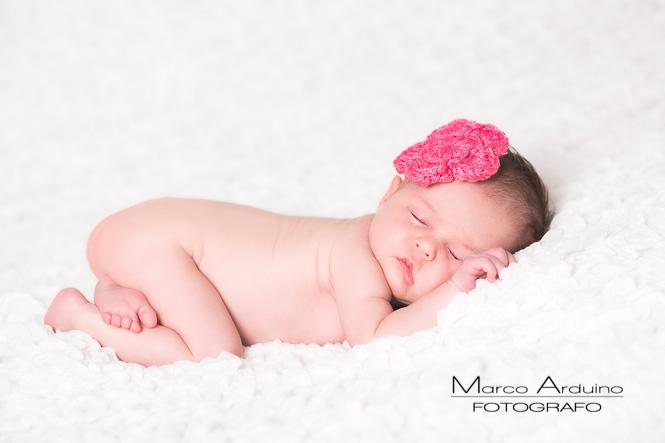 newborn fotografo bambini e neonati in Biella Novara Vercelli