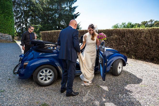 arrivo della sposa al matrimonio a Roppolo