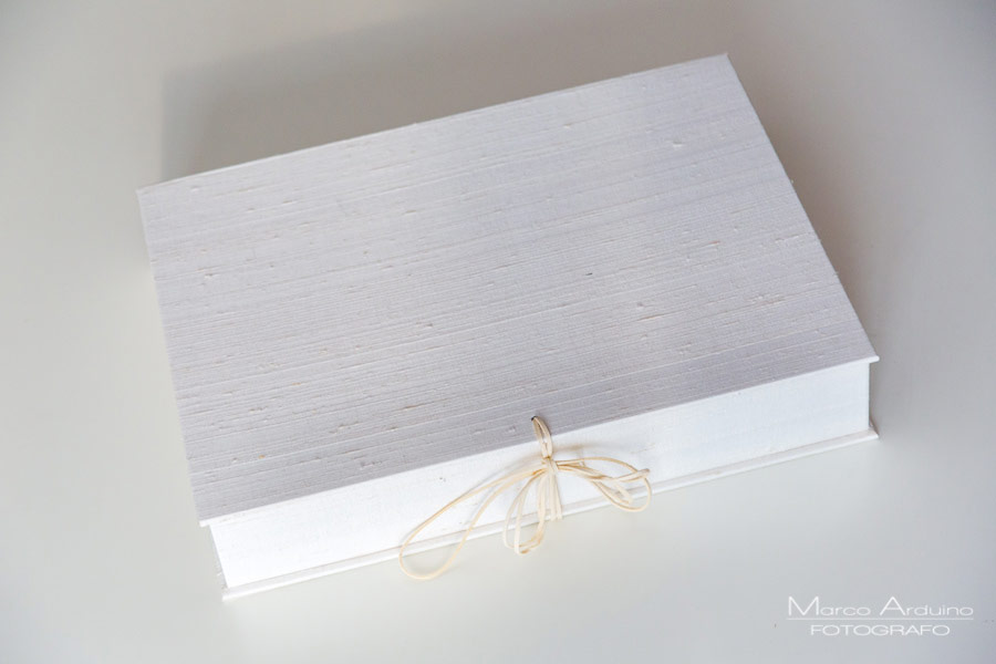eleganti album artigianali in shantung di seta