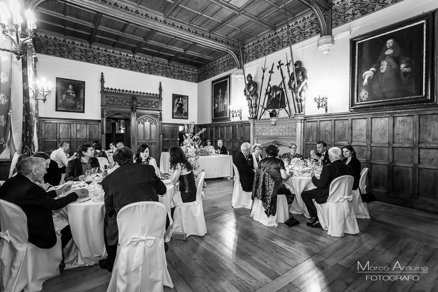 Una fantastica cena: il connubio perfetto, fra un raffinato menù, assaporato nella splendida sala Meazza e l'elegante sottofondo musicale della Band: Sartoria della Musica.
